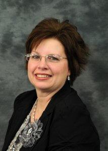 Elisa Kahler headshot