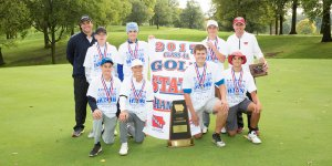2017 4A Golf Champions posing for a photo